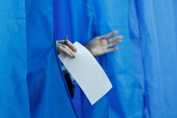 В Україні відбудуться перші вибори в умовах пандемії — Виборчі дільниці досі не забезпечені вимірювачами температури та дезінфекторами – Денісова