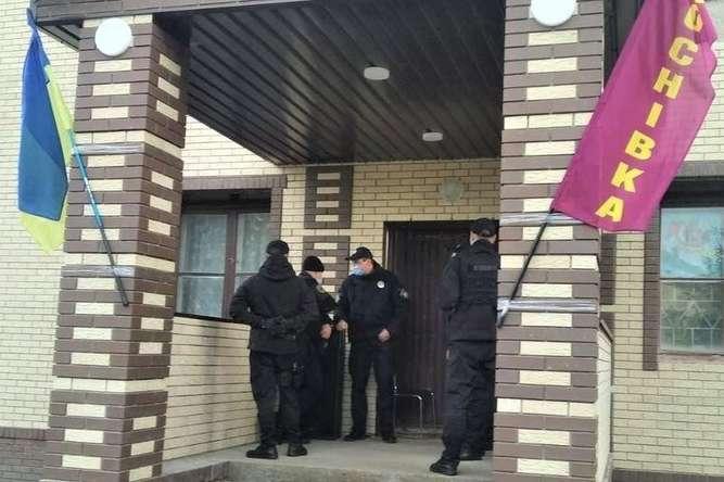 Поліція закрила фейкову виборчу дільницю на Сумщині