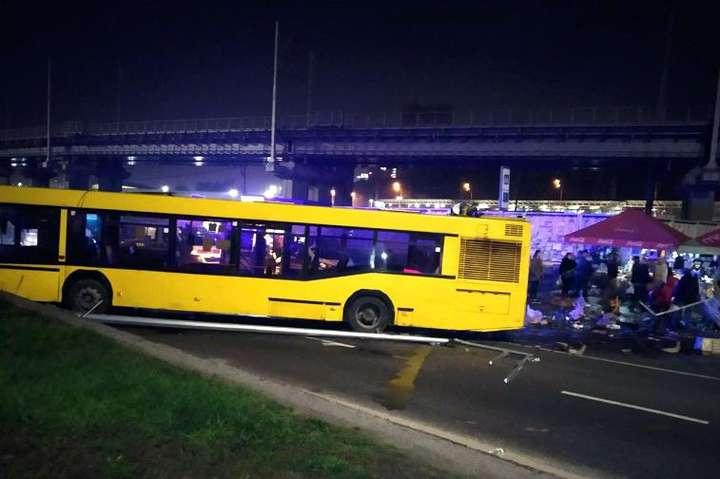 Смертельне ДТП на Видубичах: поліція затримала водія автобуса