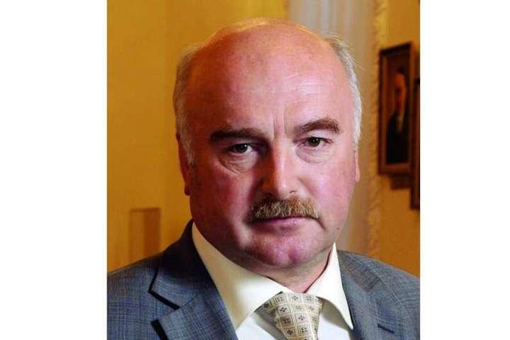 <span>Винуватцем аварії став 66-річний Юрій Назаренко, який раніше&nbsp;<span>працював керівником апарату Комісії з цінних паперів і фондового ринку</span></span> - Стало відомо, хто скоїв резонансну ДТП на Хрещатику