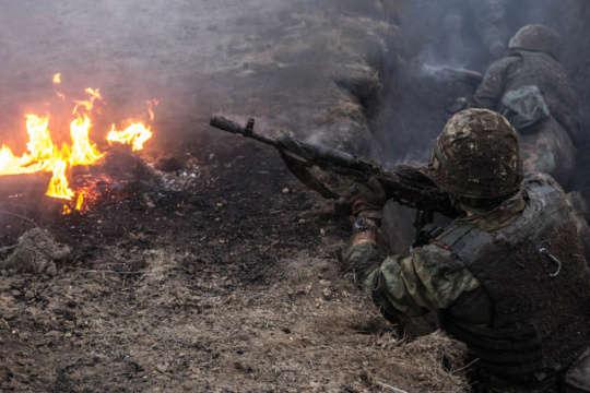 День на Донбасі: три обстріли біля Водяного, двоє загиблих бійців