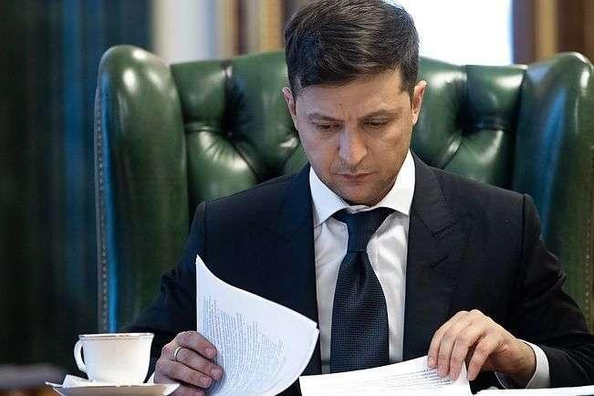 Зеленський про рішення КСУ: ми отримали сигнал від МВФ, що ніякої місії можна не очікувати