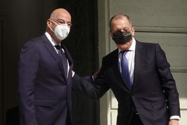 <p>Путін, обурений американською активністю, відрядив на Балкани замість себе Лаврова. Але той встиг лише здивувати усіх тим, як він носить маску…</p> — Американський сюрприз, або Чому Путін скасував свій візит на Балкани