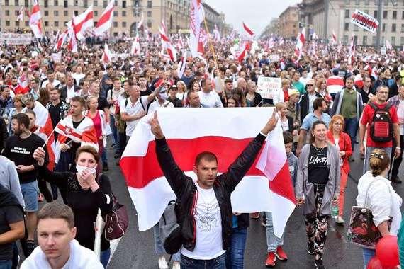 У Білорусі з 9 серпня тривають протести проти фальсифікацій на виборах президента — МЗС Великої Британії закликає до повторних виборів президента Білорусі