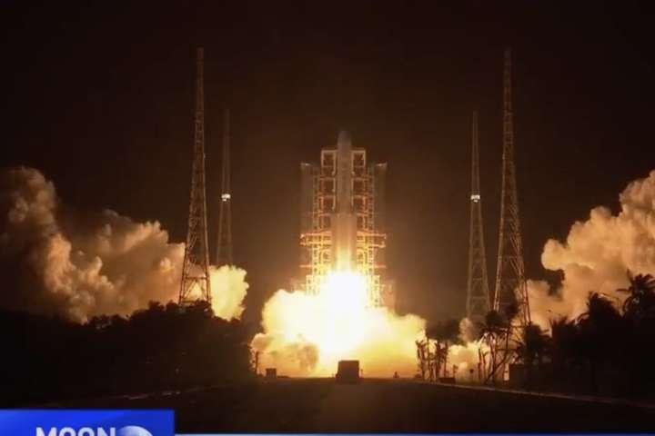 pЗапуск ракети-носія, який доставить на Місяць апарат «Чанье-5»/p - Китай відправив ракету на Місяць
