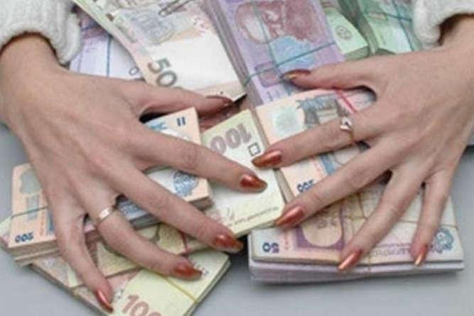 Одеситку підозрюють у шахрайстві, яке спричинило більше 28 млн грн збитків