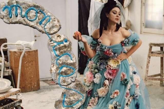 56-летняя Моника Беллуччи в откровенном платье вызвала фурор