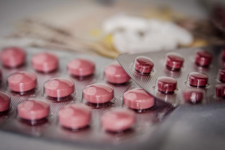 <p>ВООЗ висловлює глибоке занепокоєння через рішення Кабінету міністрів виділити державні кошти на ліки, які мають низький доведений вплив</p> — МОЗ купить експериментальні ліки від Covid-19, ігноруючи рекомендації ВООЗ