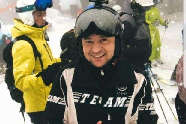 Президент України Володимир Зеленський провів перші дні 2021 року на гірськолижному курорті Буковель — У маленькій і небагатій Албанії вже почалася масова вакцинація, а в Україні – ні
