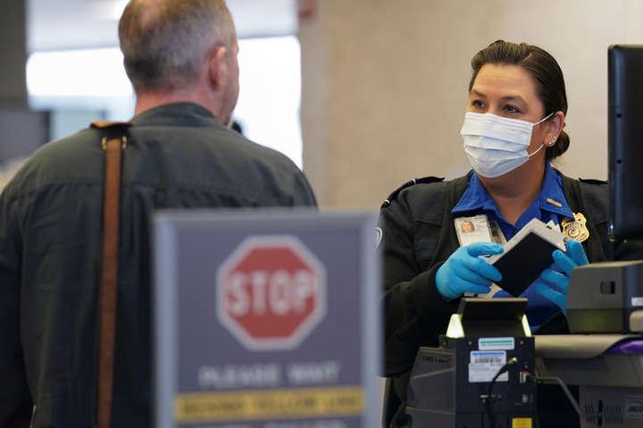 Іноземцям та громадянам США необхідно буде надавати негативний тест на коронавірус — США мають намір змінити умови в'їзду в країну