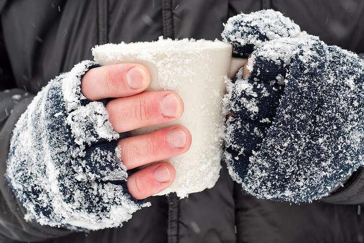 Морози посилюються: на Київщині відкрились майже 600 пунктів обігріву (перелік)