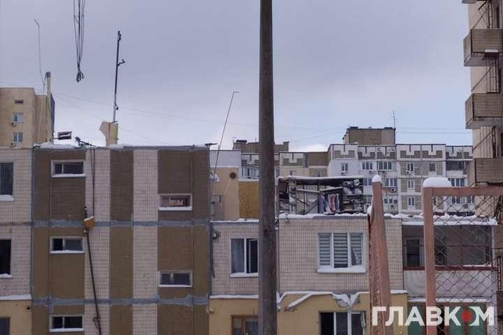 Демотаж будинку на Позняках. Будівельники розібрали більшу частину багатоповерхівки, де влітку стався вибух