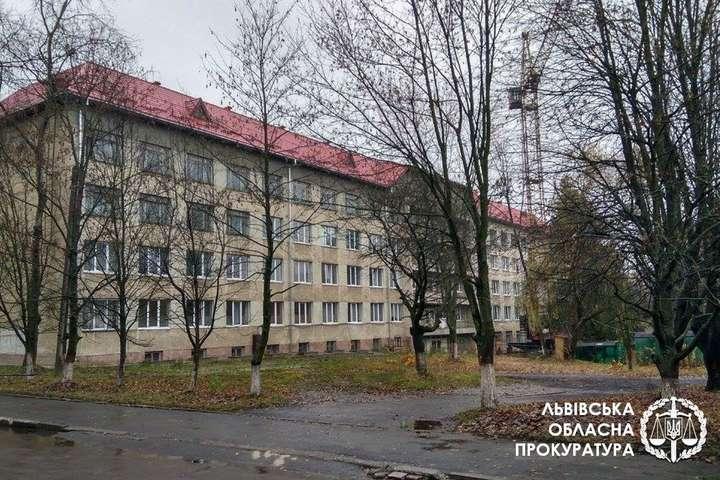 Лікарня, в якій померла 17-річна вагітна - «Згоріла» за пару годин: на Львівщині лікарів звинувачують у смерті 17-річної вагітної