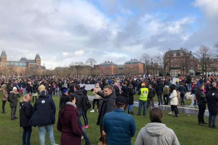 Поліція Нідерландів розігнала мітинг проти локдауну
