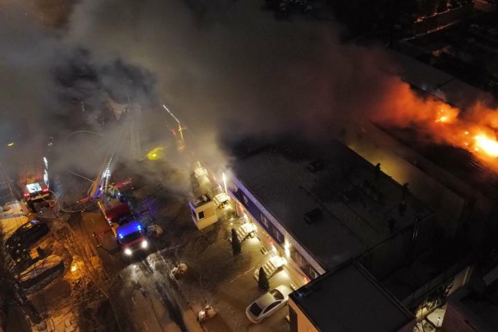 В Одесі по вулиці Посмітного 10/12 сталася пожежа в триповерховому житловому будинку