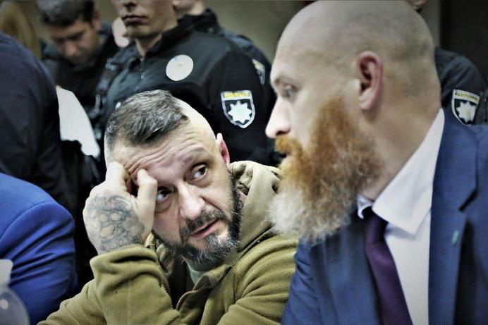 Станіслав Кулик стверджує, щоу Андрія Антоненка загострилась його хронічна хвороба, пов'язана із судинами — Білоруський слід у вбивстві Шеремета. Адвокат про нові повороти у скандальній справі