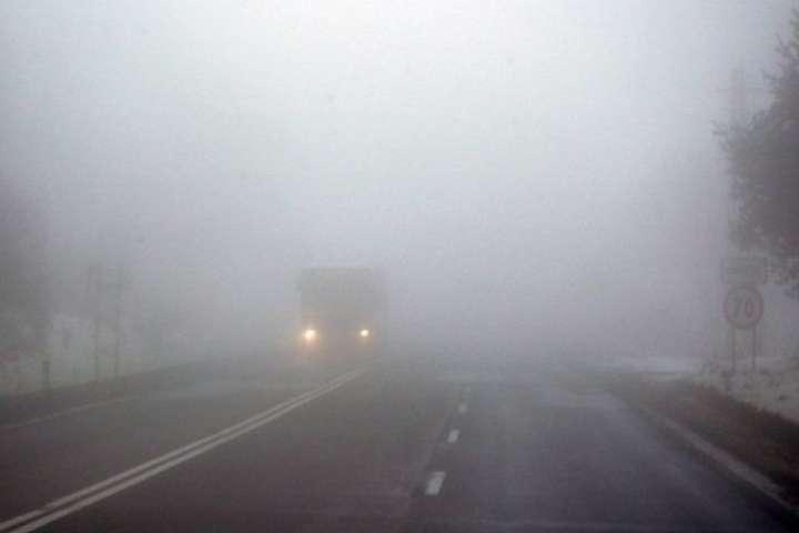 Проїзд основними дорогами забезпечено - «Укравтодор» повідомляє про туман у південних, центральних та північних областях