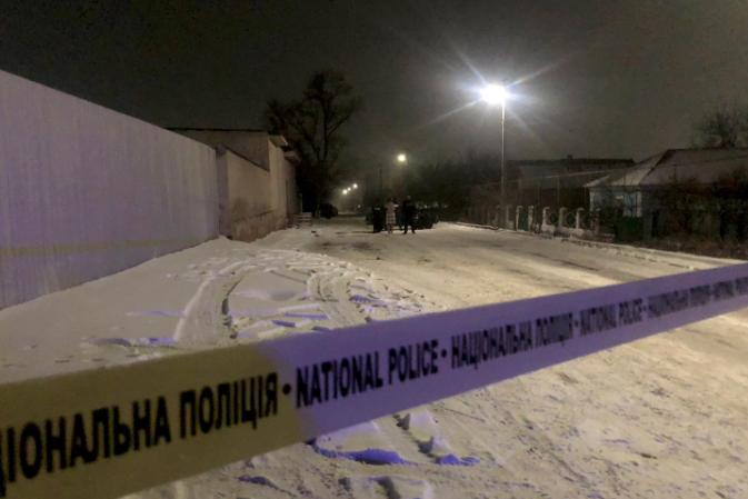 Нападника затримали спецпризначенні, йому обирають запобіжний захід - На Миколаївщині чоловік спочатку напав на батька, а потім ще й поранив трьох поліцейських