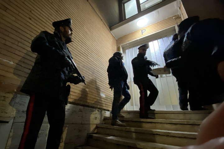 <p>21 січня правоохоронці Італії затримали 48 осіб у справі учасників мафіозного клану Ndrangheta</p> — Італійські правоохоронці провели нову масштабну операцію проти мафії