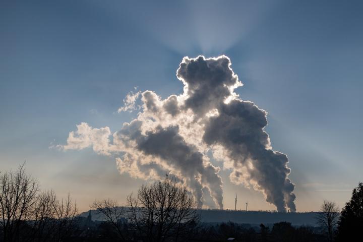 spanВ епоху боротьби з глобальним потеплінням це може помітно вплинути на її котирування на біржах/span - Найбільшу нафтову компанію світу викрили у брехні