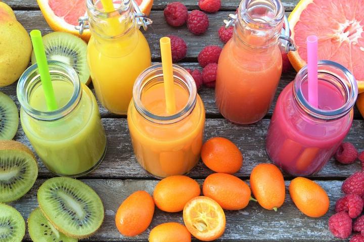 Дієтолог зазначила, що замість сухофруктів краще вживати свіжі фрукти - Дієтолог розповіла про неочевидну небезпеку від здорової їжі