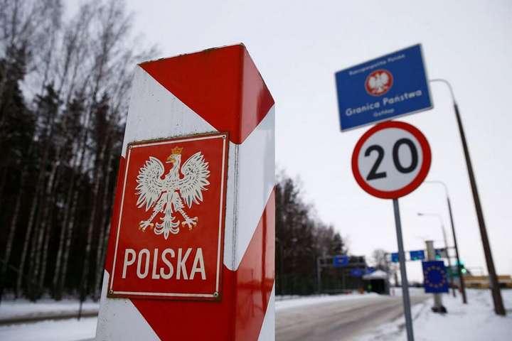 pУ Польщу можна в'їхати за наявностіпідтвердження негативного тесту на коронавірус/p - Українці можуть в'їжджати до Польщі без карантину: названо умову