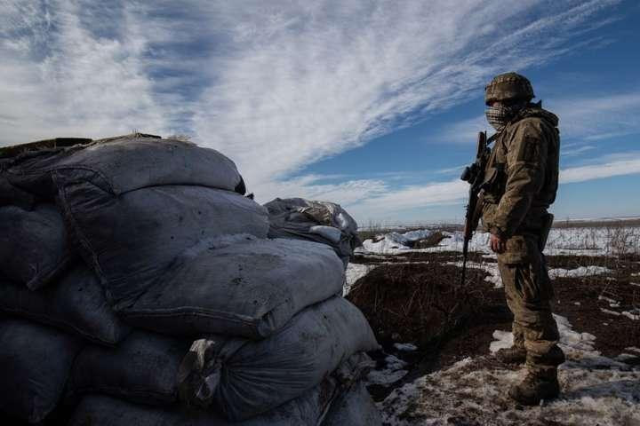 Обстановка в районі проведення операції Об'єднаних сил і надалі контрольована українськими воїнами, стверджують у штабі - Доба на Донбасі: окупанти дев'ять разів обстріляли українських бійців