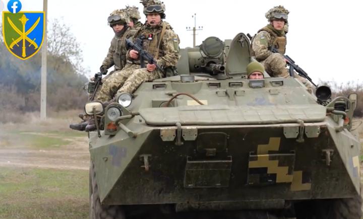 <span>Навчання ЗСУ проходять у Херсонській області</span> — Збройні сили проводять навчання на півдні України