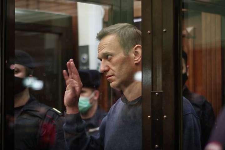 17 лютого Європейський суд з прав людинизакликавРосію негайно звільнити опозиціонера Олексія Навального — Росія не збирається звільняти Навального на вимогу ЄСПЛ