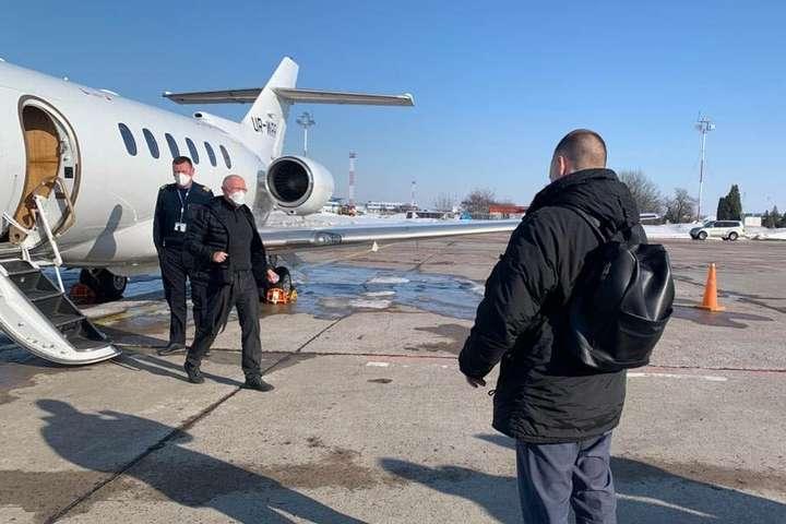 Затриманий Володимир Яценко давно жив на кілька країн<b><i></i></b> — Перерваний політ банкіра Яценка. Як реанімується справа «Привата»