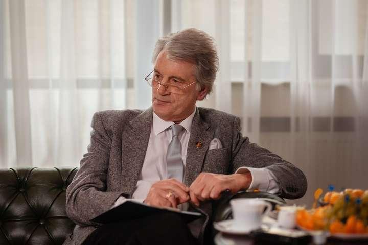 Ющенко зазначив, за останні сто років 80% політичних карт Європи були без України — Ющенко у свій день народження згадав Путіна та жителів Донбасу