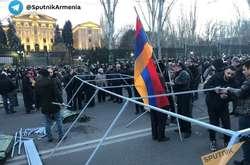 Фото: — Протест планується тривалим, адже до наметів підвозять дрова