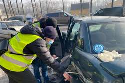 Фото: — <span>Рятувальники ліквідували наслідки ДТП в Угринові</span>