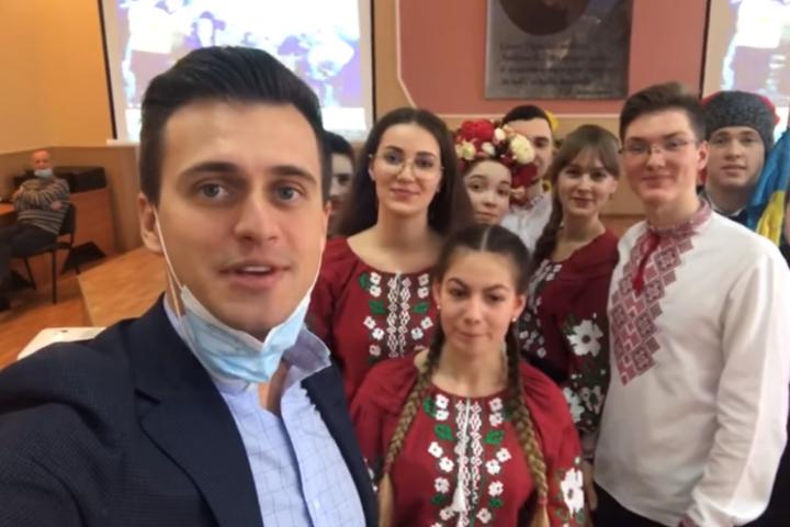 Новий глава Черкаської ОДА започаткував челендж та розповів вірш Шевченка (відео)