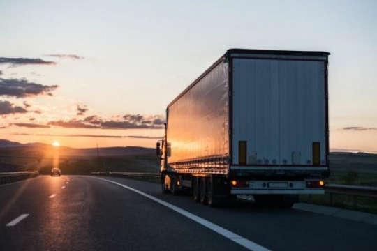 За даними слідства водій перевозив на причепі великогабаритний вантаж - На Вінниччині судитимуть за хабарництво далекобійника з Одещини