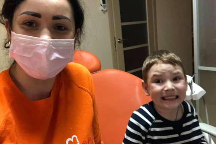 Лікарка Інна Кравчук, якій оголосили підозру через побої дітей, не мала дозволу на практику за спеціальністю дитяча стоматологія