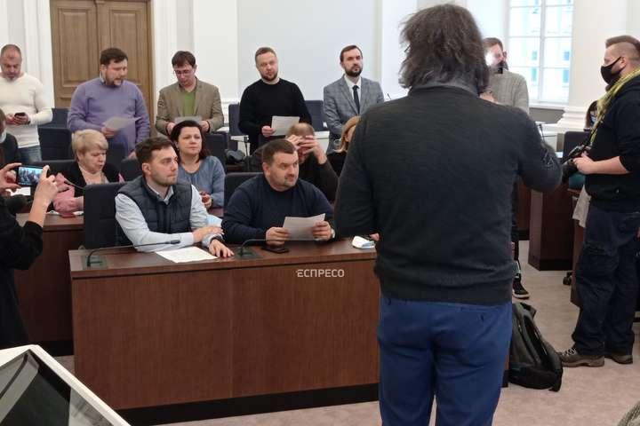 Співочі депутати: відбулася перша репетиція хору Львівської міськради (відео)