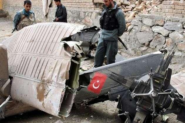 У Туреччині розбився військовий гелікоптер: майже усі на борту загинули