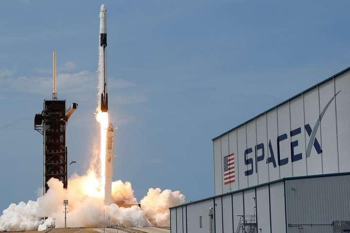 Супутник виведе на орбіту ракетоносій Falcon 9 — SpaceX готова вивести на орбіту український супутник: стала відома вартість