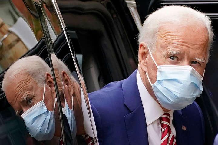 Опитування: дві третини американців схвалюють дії Байдена в боротьбі з пандемією