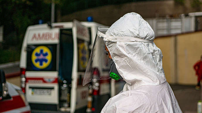 У київських лікарнях знову почали закінчуватися місця для хворих на коронавірус