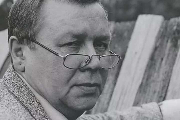 Володимир Чепелик є автором творів, які зберігаються в музейних та приватних колекціях України і зарубіжних держав - Помер видатний скульптор, автор пам'ятника Грушевському в Києві