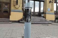 """Фото: -   <p>Інноваційна система працюватиме протягом 60 днів на вул. Басейній, поблизу Бессарабської площі</p> <p>""""></p> <div>У КМДА розповіли про запуск системи автофіксації порушень правил паркування</div> <p><i class="""