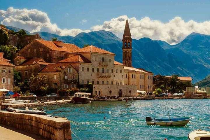 Чорногорія скасовує обмеження для українських туристів - Чорногорія скасовує обмеження для українських туристів