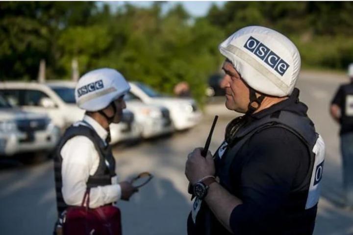 ОБСЄ продовжує спостереження за ділянками розведення сил у районі Станиці Луганської, Золотого і Петрівського - На Донбасі ОБСЄ зафіксувала 165 порушень перемир'я за добу