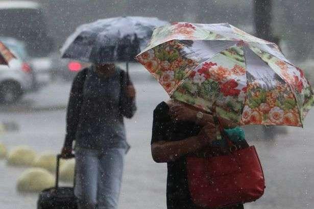 До України повертається дощова погода - Дощі та холодний вітер: прогноз погоди в Україні на 6 травня