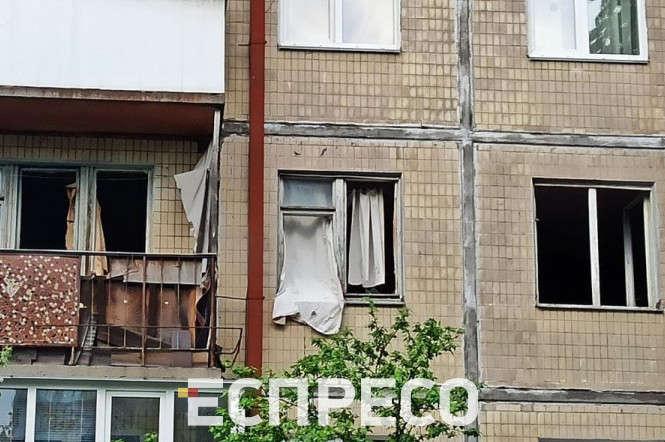 Служба Київгаз перекрила газ до будинку, його не буде до понеділка, 17 травня,включно - У столичній багатоповерхівці стався вибух газу