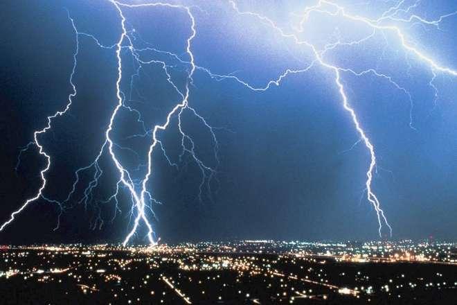 Злива продовжує «штурмувати» Миколаїв (відео)
