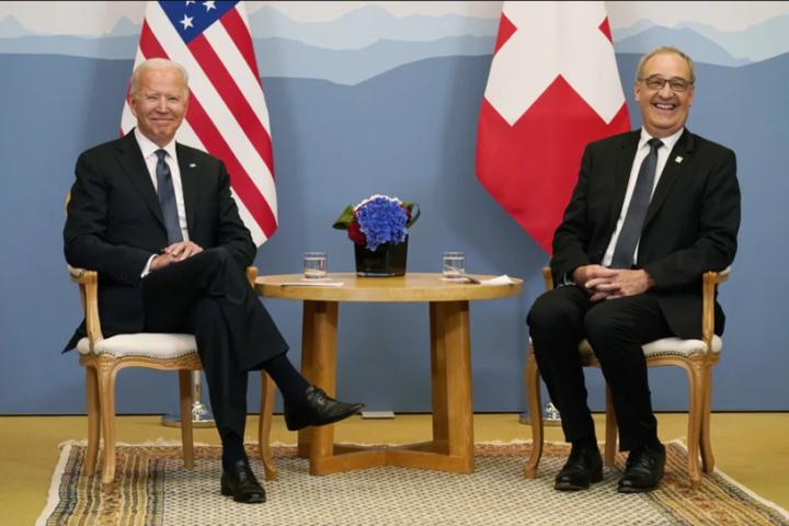 Байден провів зустріч із президентом Швейцарії в Женеві