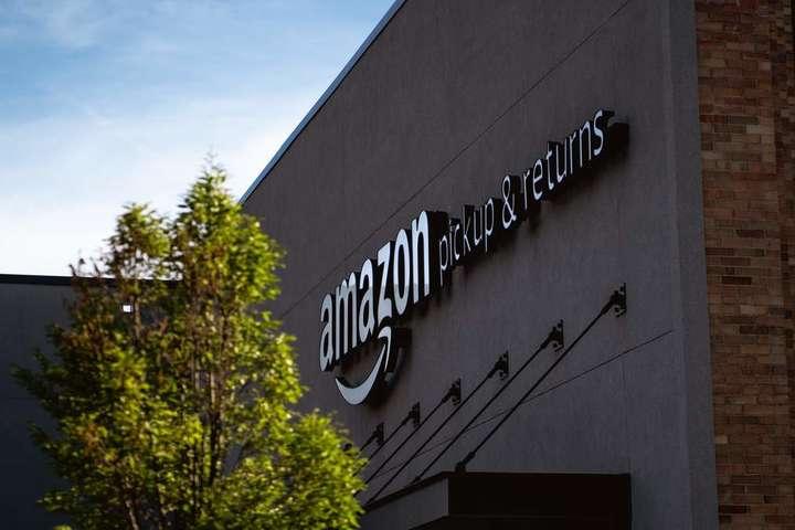 ОфісAmazon - Відомий магазин знищує мільйони непроданих товарів. Навіщо він це робить?